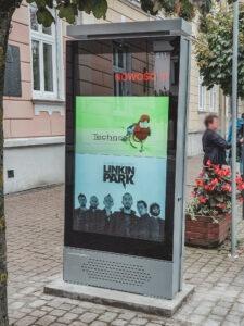Zdjęcie przedstawiające realizację gabloty outdoor LCD dla Urzędu Miasta Łańcut